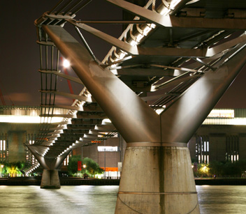 Millennium Bridge (London, United Kingdom) Credit Cody Andresen/Studio Percolate